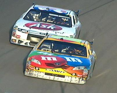 http://www.3widealley.com/images/kyle%20busch/kyle_busch_wins_vegas_2009_labonte_second_m.jpg